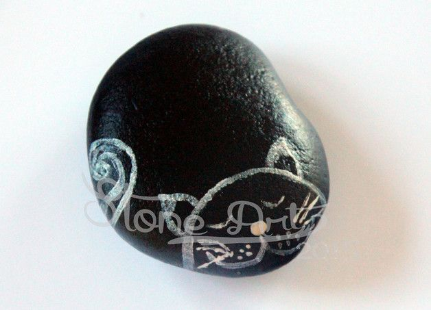 http://de.dawanda.com/product/88400119-handbemalter-stein---katze