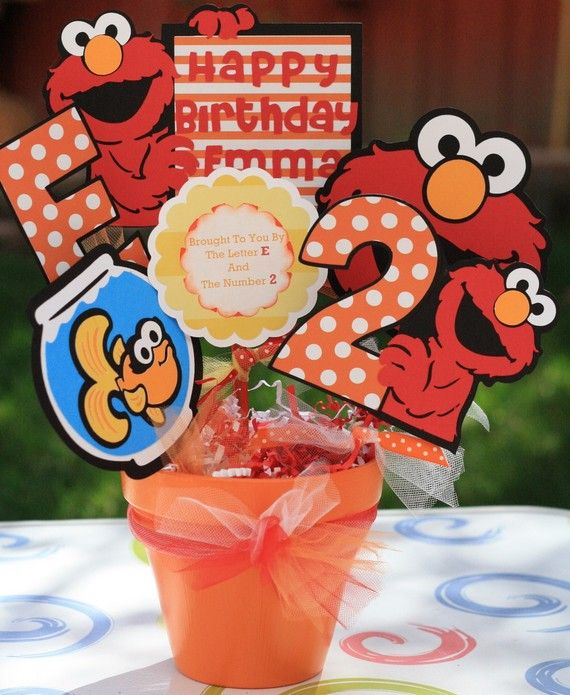 Sesame Street Girly Elmo with Dorothy Character Party Bucket/ Centerpiece