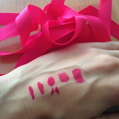"""Buscando labial fucsia (y perfilador) para el outfit de mañana que combine con la cinta que llevaré con la falda  Creo que el ganador ha sido el #rougeeditionvelvet de @bourjois_spain en el tono #oléflamingo! (Es el labial que queda justo en medio y el perfilador el """"sub tono"""" de la derecha) #ribbon #cinta #grosgain #grosgainribbon #cintagrosgain #fucsia #fuchsia #lipstick #labial #rossetto #nyx #plushred"""