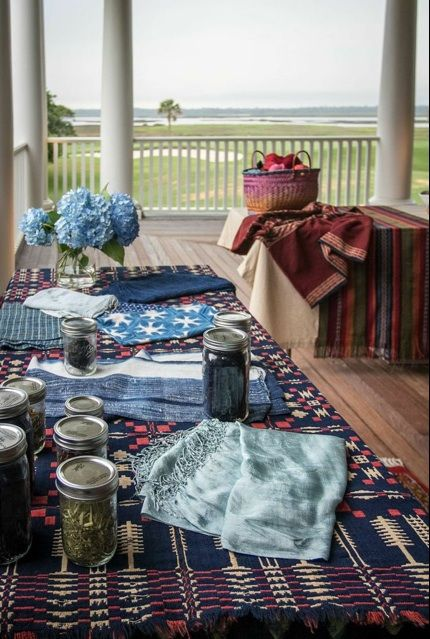 We love Kiawah Island and indigo goes perfectly with blue hydrangeas and rustic tabletop accessories.