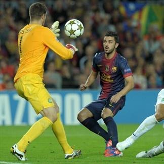 Fraser Foster, Celtic. & David Villa, FC Barcelona. | FC Barcelona 2-1 Celtic. 23.10.12.