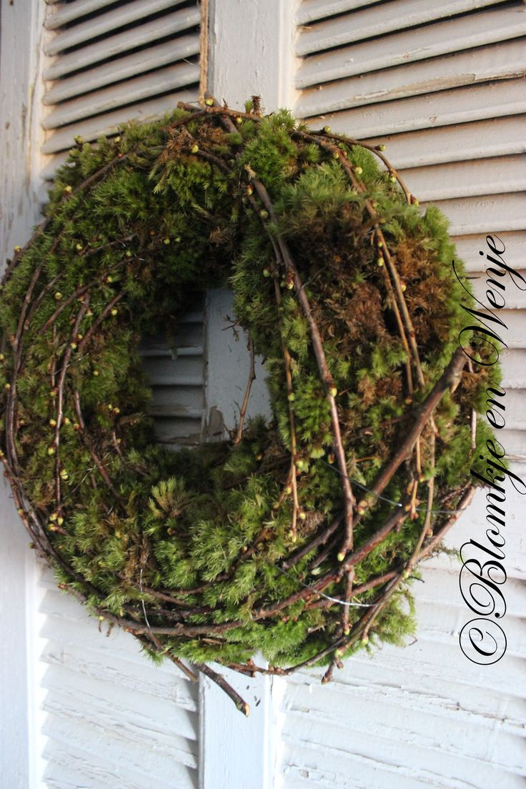 stoer sober landelijk wreath krans kranz corona cherryblossom twigs moss mos