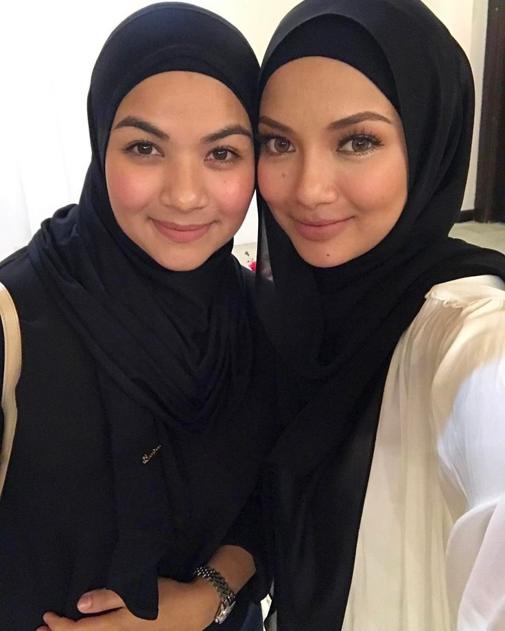 "57.2k Likes, 368 Comments - Noor Neelofa Mohd Noor (@neelofa) on Instagram: ""A sister is a forever and ever friend. We look so much alike kan? With Inara's mummy,…"""