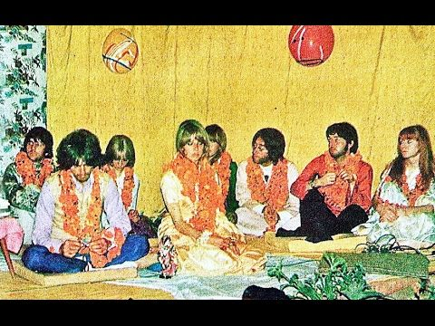 ♫ The Beatles photos / George Harrison 25th birthday at Rishikesh, India/ Джордж Харрисон фото - YouTube
