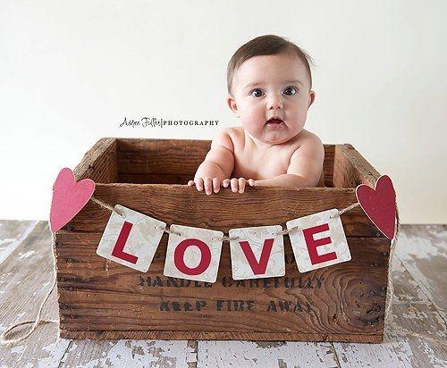 such a cute idea..: Valentines Mini, Stable Sitters, Photo Ideas, Valentines Day, Valentine S Photo, Box, Valentine Mini Session, Baby Photography, Picture Ideas