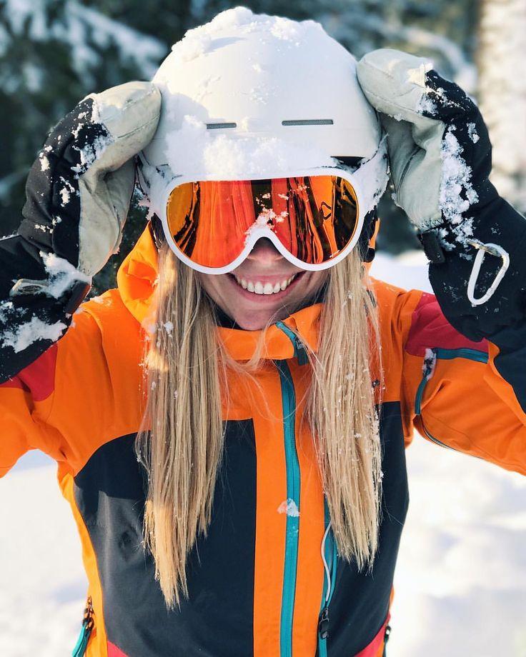 "2,003 To se mi líbí, 112 komentářů – EAT - SLEEP - SKI - REPEAT⛷❄️ (@sarahmagdalena) na Instagramu: ""Ski recommendations please!  Looking to buy new skis for the upcoming season! I want something…"""