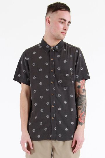 This light and short sleeved shirt is flecked with peace signs. It's also relaxed and made from 100% rayon so it's ridonculously soft. The entire world should take note from Volcom's Peace Stone Short Sleeve Shirt - and peace the f*ck out already aye!