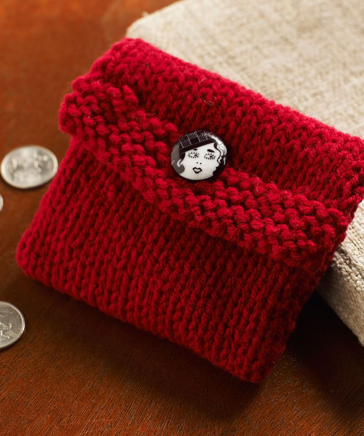 Knitted Change Purse. Easy project for beginners. Hold change, knitting markers, small items. Free pattern via redheart.com