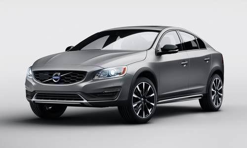 #Volvo #S60CrossCountry. La berlina sportiva dal design imponente e muscoloso. Abitacolo spazioso con elementi di lusso autentico.