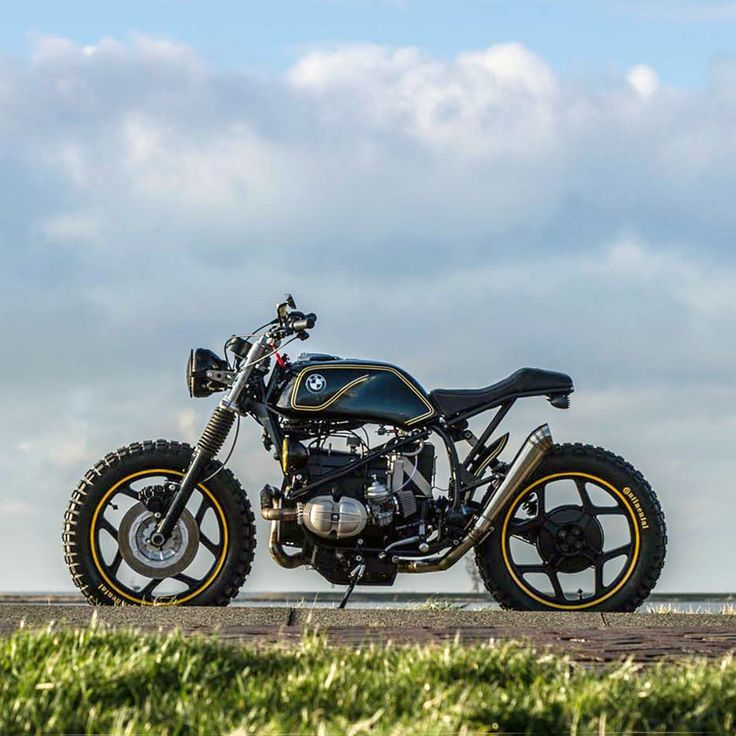 Leading our latest Bikes Of The Week: Ironwood Custom Motorcycles' very tasty BMW R65.