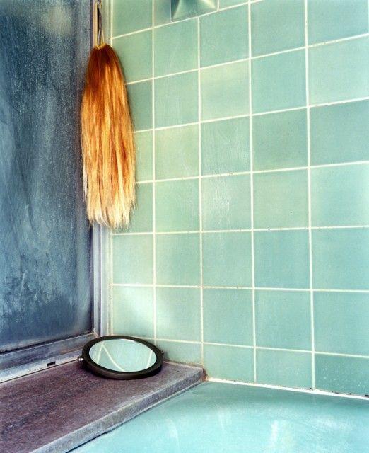 09. vanity