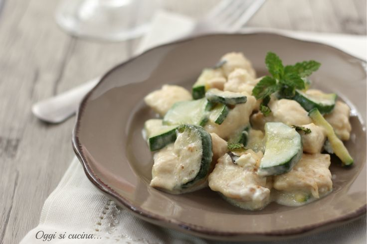 Bocconcini cremosi di pollo alle zucchine