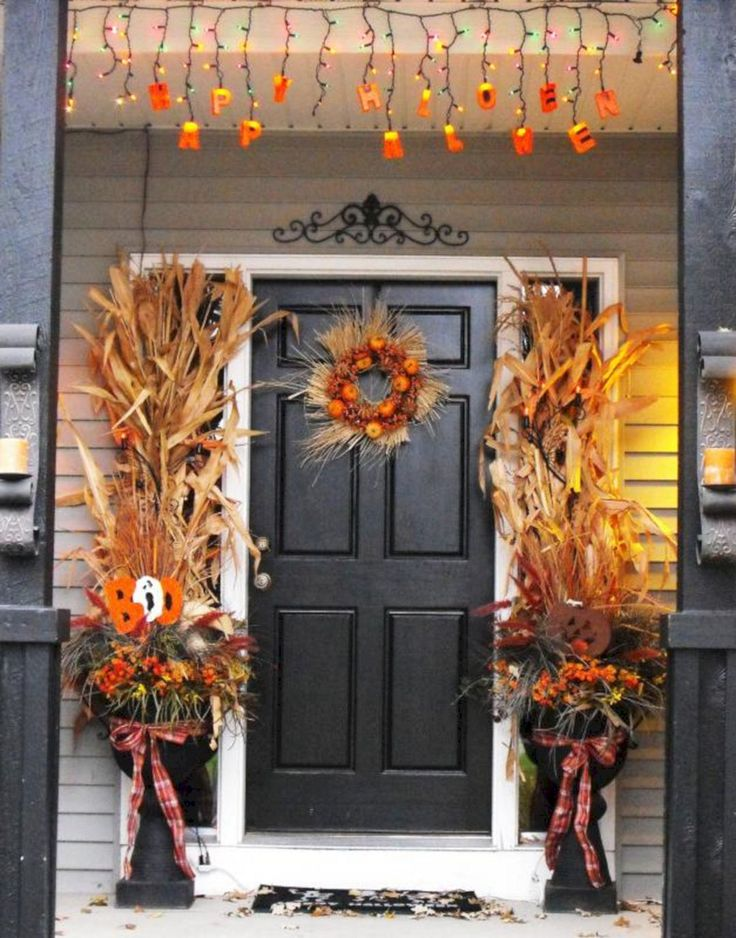 Epic Best And Most Beautiful Fall Front Door Decorating Ideas (35+ Best Pictures) http://goodsgn.com/design-decorating/best-and-most-beautiful-fall-front-door-decorating-ideas-35-best-pictures/