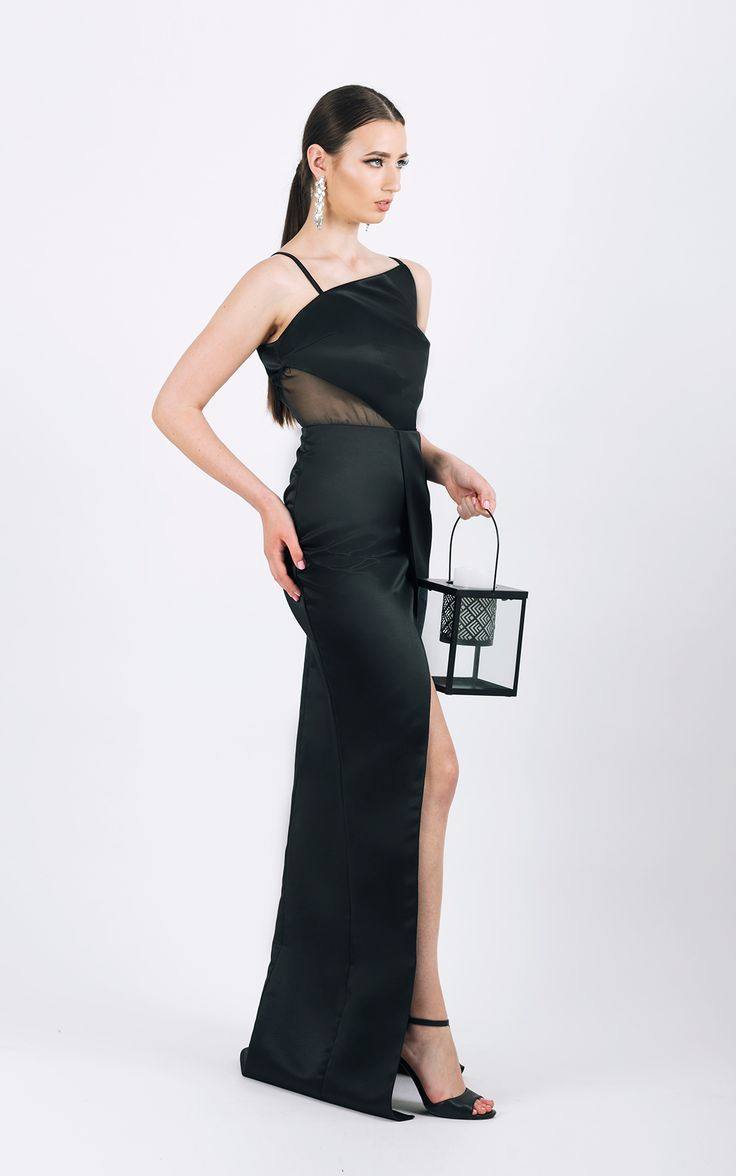 Long evening gown with side slit      <span...