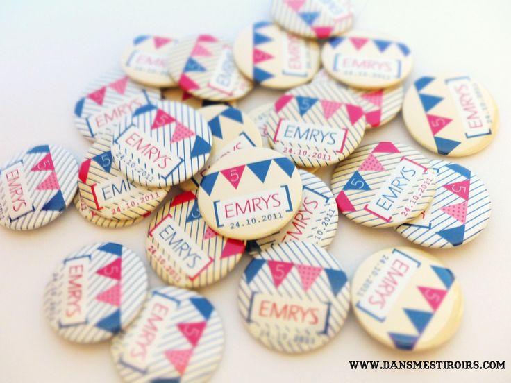 Badges personnalis s anniversaire mariage soir e faits for Badge fait maison