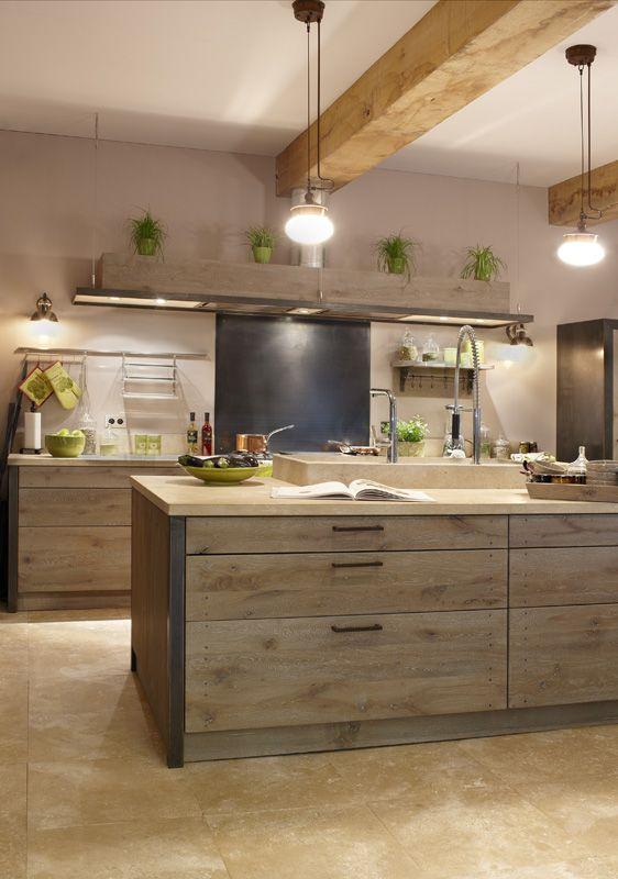 Xaviez vous pr sente la r alisation d 39 une cuisine en ch ne ambre pierre d 39 anroche et fer for Cuisine xaviez