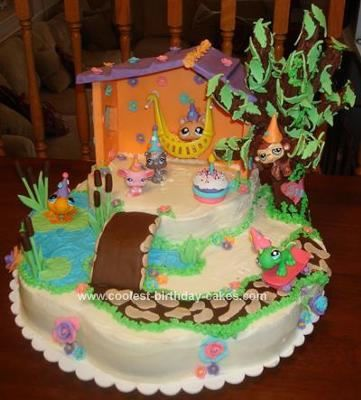 Homemade Littlest Pet Shop Toys Cake: I made this Littlest Pet Shop Toys Cake for my daughter's 9th birthday.  Over the past several months she has been obsessed with Littlest Pet shops and
