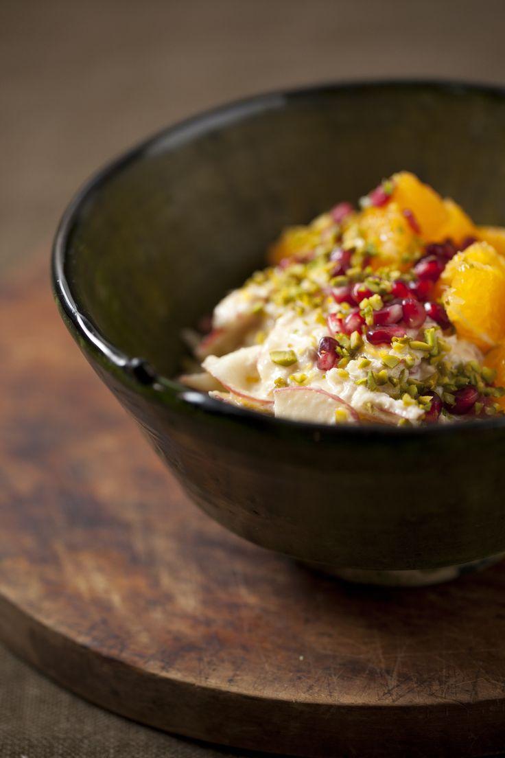 Bircher Muesli w/ Pink Lady Apple, Orange, Vanilla + Pomegranate : The Healthy Chef – Teresa Cutter