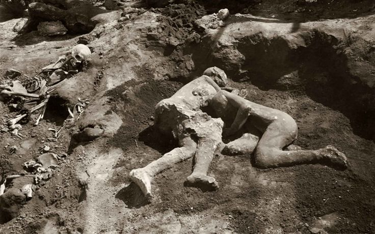 Scan reveals these victims of the Pompeii eruption were both men...lovers, perhaps?