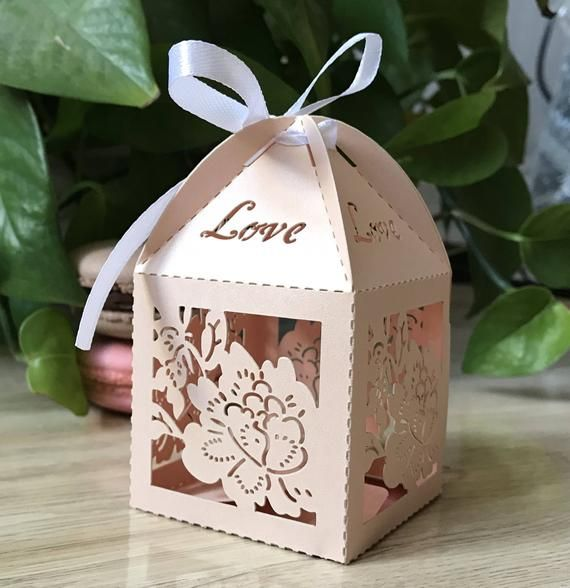 100pcs 6 6 9 5cm Incarnadine Wedding Favor Box Laser Cut Treat
