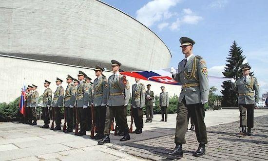 Banska Bystrica: Putin non viene, sarà il Ministro della Difesa russo a rappresentarlo al 70° dell'SNP