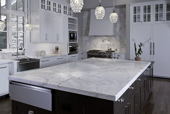Soapstone Countertops for Kitchen, this looks like quartzite, a soapstone that mimics marble