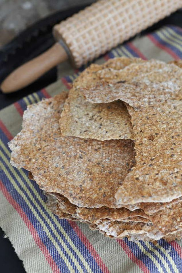 Njut av eget hembakat knäckebröd. Perfekt som frukostmacka eller med bara ett gott smör till maten.