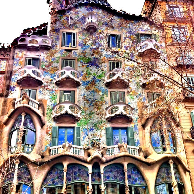 37 best images about barcelona spain on pinterest for Casa luthier barcelona