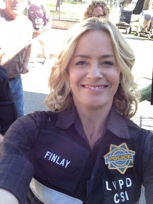 Elisabeth Shue (Finn)'s selfie!