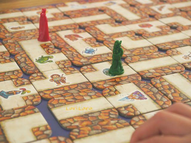 Das Verrückte Labyrinth - ein Spiel ab 7 Jahren. Bei uns gab es das zum 6. Geburtstag und es ist fantastisch.