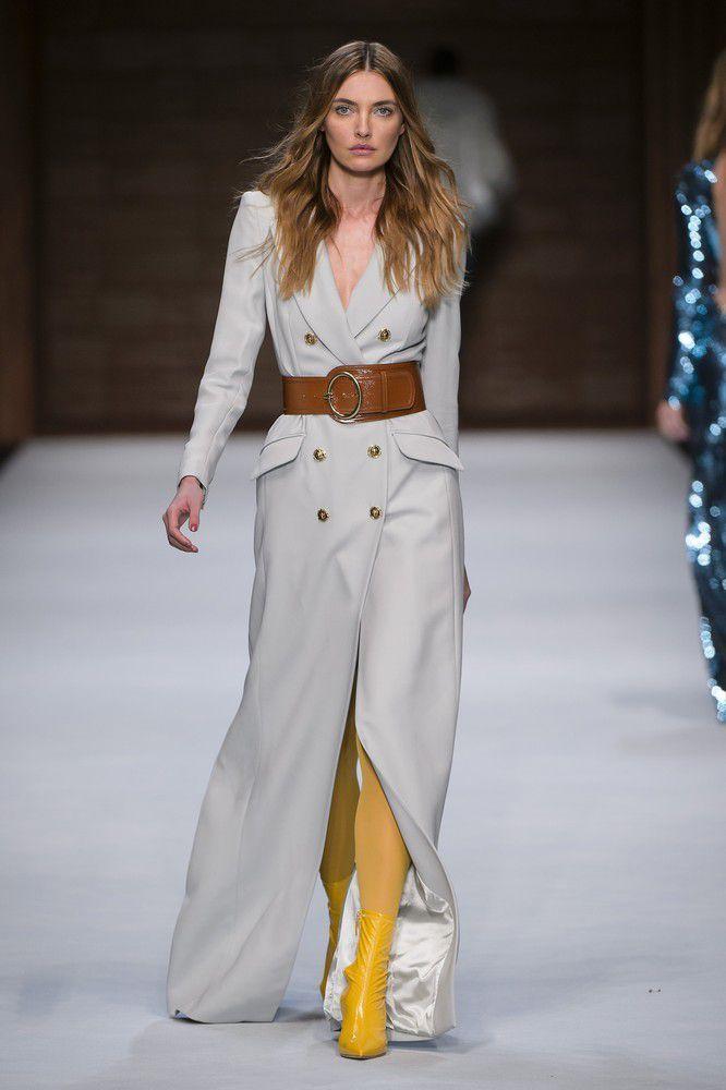 I nuovi cappotti da donna di moda per il 2018 sono eleganti e super classy d74ffd1cbe3