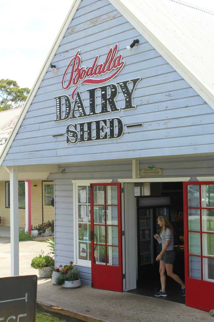 I visit Bodalla Dairy Shed, cheese world on the coast.