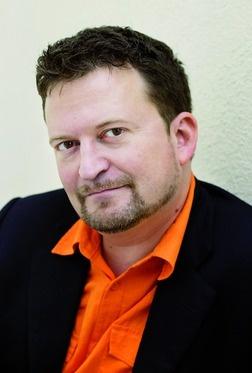 Erik Fosnes Hansen  Foto: Marcel Leliënhof