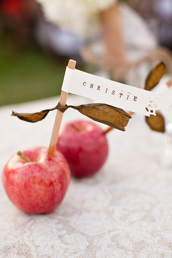 Place card tags in apples. Love it.
