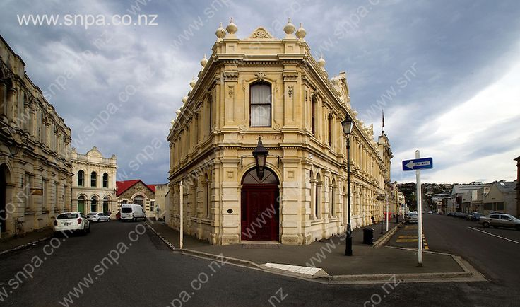 The historic Criterion Hotel on Tyne Street near the old wharfs in Oamaru, New Zealand