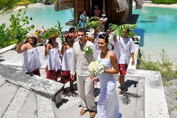 How To Plan a Legal Tahitian Wedding from Tahiti Tourisme North America