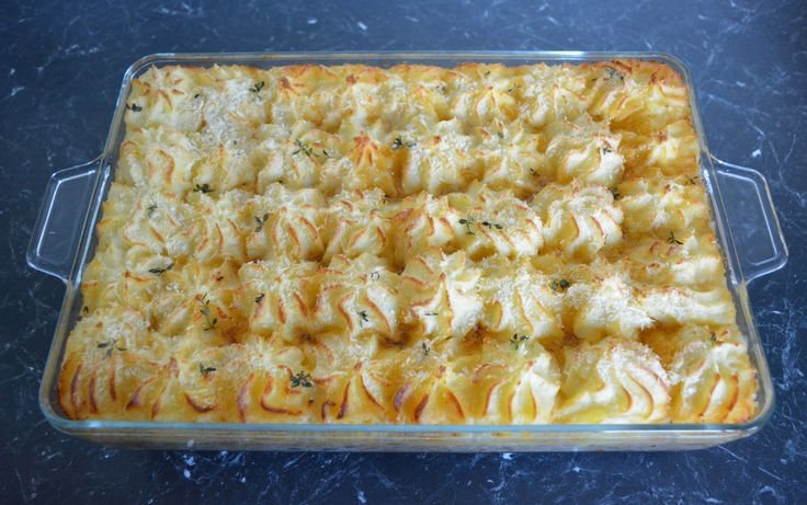 French Style Cottage Pie. Find the recipe at http://www.whatscookingella.com/blog/french-style-cottage-pie2