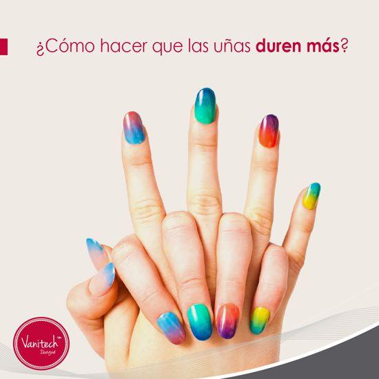 Antes de pintarte las uñas, aplícate una prebase para que el color se fije mejor