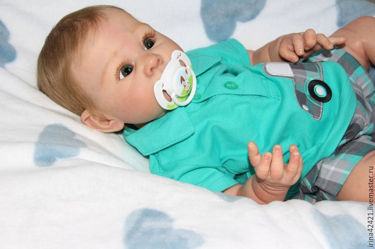 Buy or order Reborn doll, Leon. in online shops on My Livemaster. Reborn doll made from a mold of the limit Lizzie from Adri Stoete. Doll made by Genesis paints, eyes German crystal in green color. The hair is premium mohair from Delta Dawn. Growth 52cm, weight 2250гр. There is a nipple on the magnet, birth certificate, card limit. Two sets of clothing.