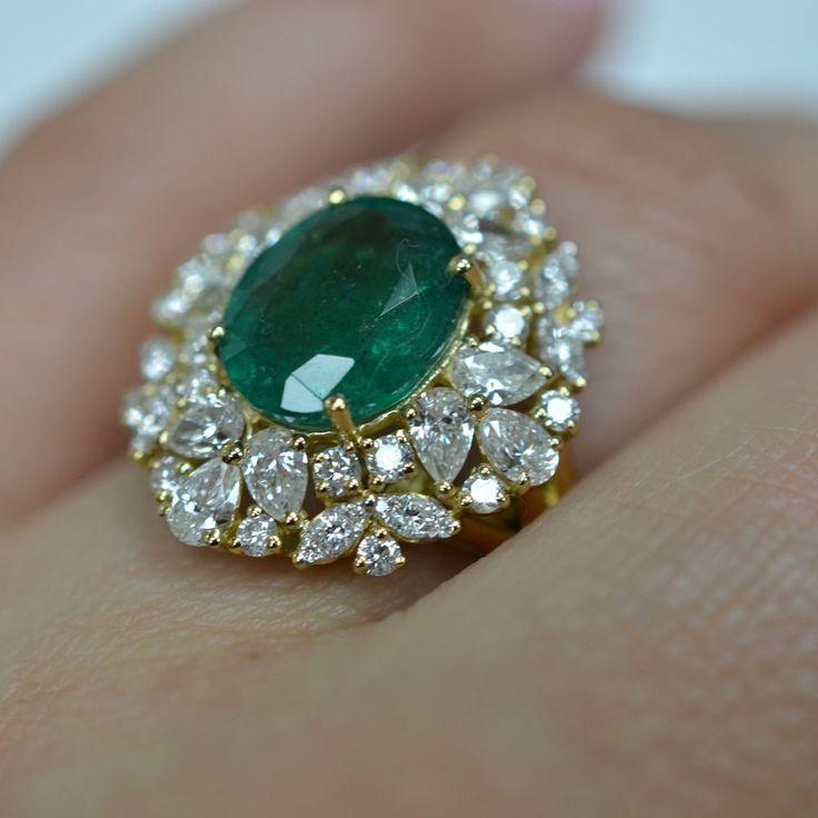 Diamonds and Emerald Cocktail Ring. ID Jewelry Diamond District NYC.