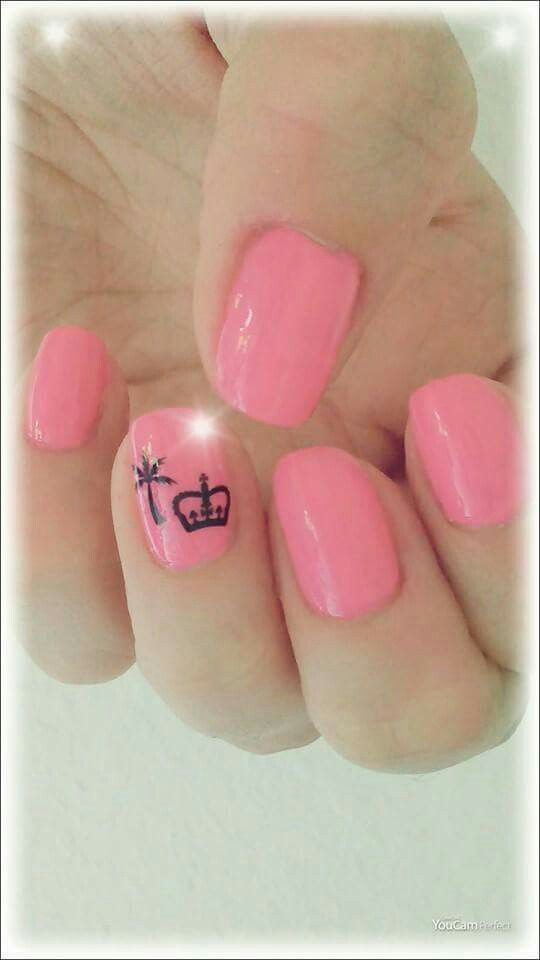 Pink die neue Insel. Königlich strahlt es in deinen Augen. Pink ist mein Nagel und morgen auch Deiner? #Lifestyle  # Pink  #Königlich #ImmerSommer