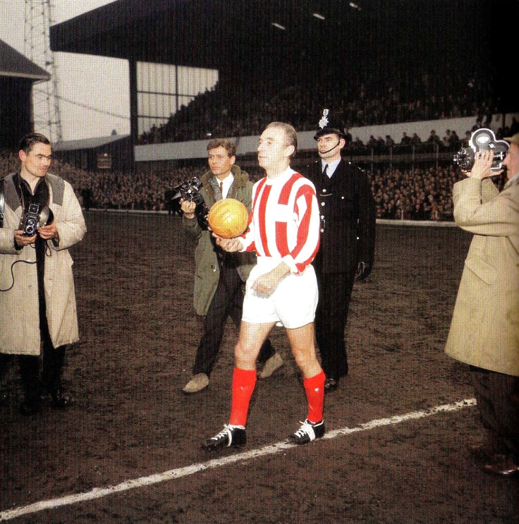 Stoke City's Stanley Mathews walks out onto the pitch before the Stanley Mathews Testimonial Match, Stoke City v World Stars X1 - 28 April 1965