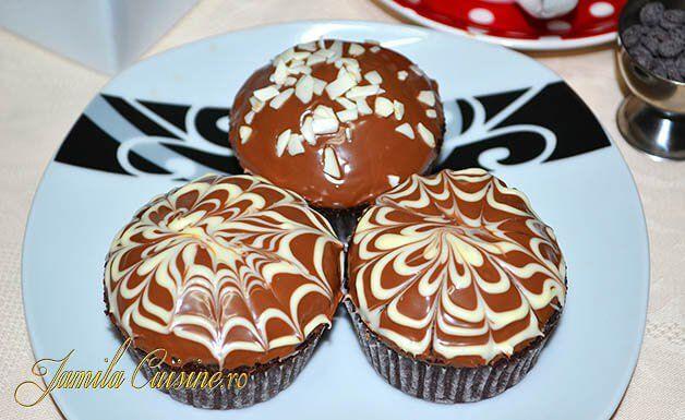 Briose cu ciocolata – reteta video via @JamilaCuisine