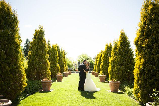 Wedding Blog Moderna di New York Cerimonia di nozze in giardino