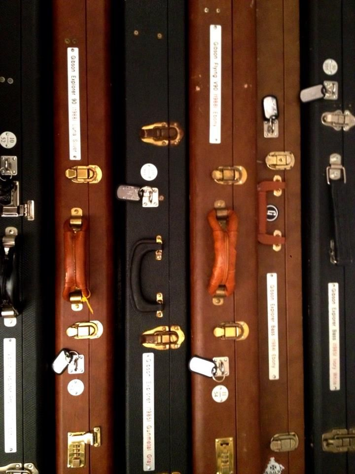 Gibson Explorer Cases, Guitars & Basses #cases #gibson #explorer #bass #guitar #marcokrasinski #rigrundown