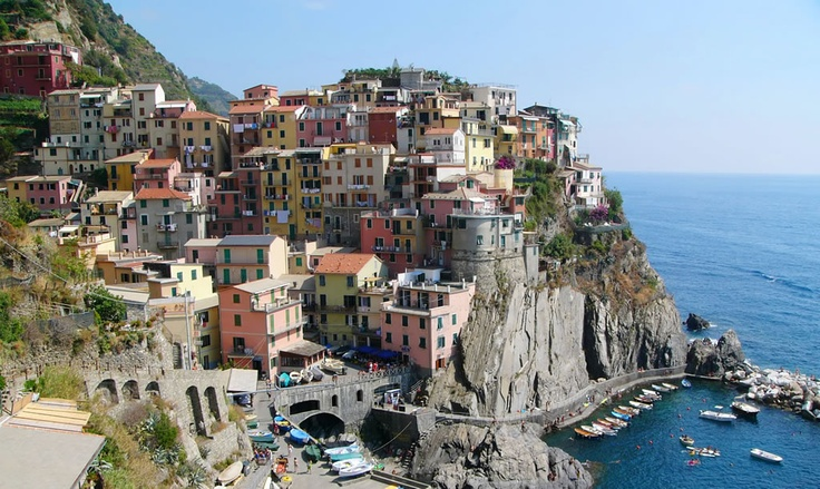 Le Cinque Terre. Riomaggiore. View from the start of the Via d'Amore,