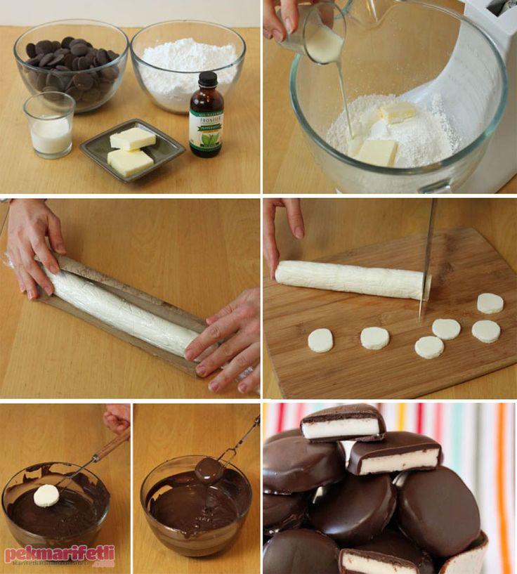 Yarım su bardağı süt Bir miktar çikolata 100 gr margarin 1 su bardağı un 1 buçuk su bardağı pudra şekeri Yapımı: Tüm malzemeleri bir kapta yoğurup silindir.. Kremalı çikolatalı dilimler nasıl yapılır?..
