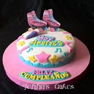 Hoy es dia de  Soy Luna... Rica torta de vainilla... Uhmmm  #Cake #cakedesing #torta #bolos #soyLuna  #disneychanel  #Disney #movie #fondant #fondantcake #Princesas #patines #star  #alas  #fondantart #sugarart  #Repostería #amoloquehago #pastillaje #tortassoñadas #instacake #cakeshop #cakestagram #Anaco #anzoátegui #johhascakes