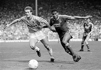 Sheffield Wed 1 Liverpool 5 in May 1988 at Hillsborough. John Barnes takes on Mark Proctor #Div1