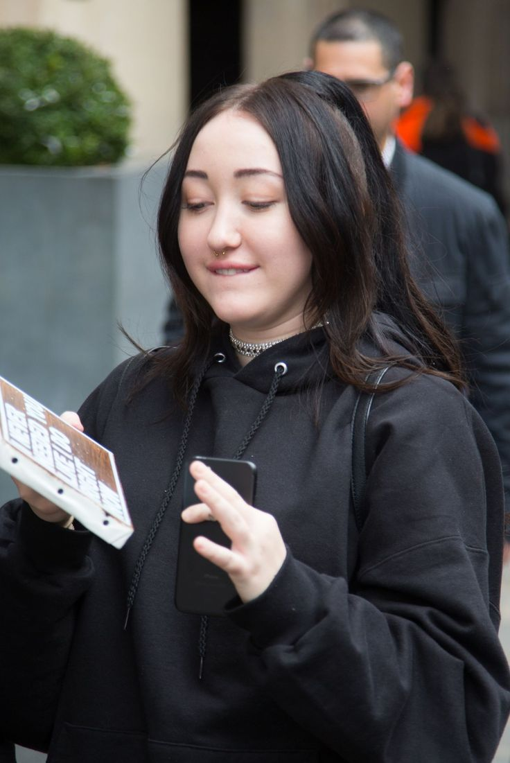 #Hotel, #NoahCyrus Noah Cyrus - Leaving Her Hotel and Heading to NRJ Radio Station in Paris – 03/28/2017 | Celebrity Uncensored! Read more: http://celxxx.com/2017/03/noah-cyrus-leaving-her-hotel-and-heading-to-nrj-radio-station-in-paris-03282017/